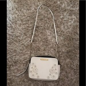 White Gianni Bini cross body bag